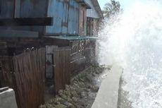Gelombang Tinggi Rusak Tanggul dan Rumah Warga di Pesisir Polewali Mandar