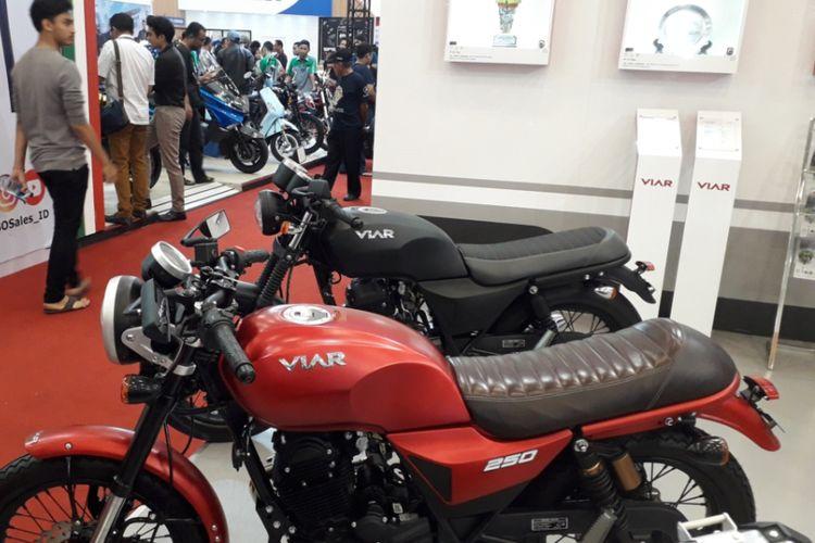Dua model motor terbaru yang dikerkenalkan Viar Motor Indonesia pada ajang GIIAS 2018, di ICE, BSD City, Sabtu (4/7/2018). Keduanya masing-masing Vintech 200 dan Vintech 250.