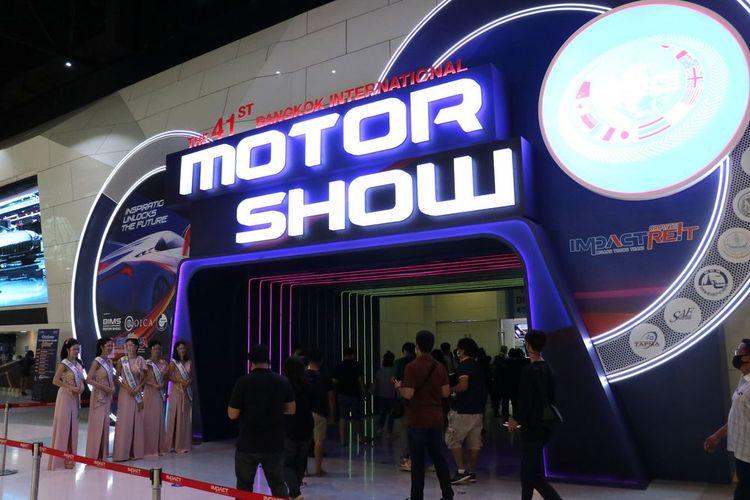 Penyelenggaraan Bangkok International Motor Show (BIMS) 2020 dengan protokol kesehatan yang ketat.