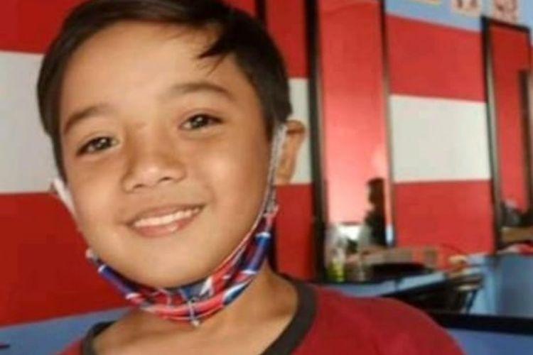 Ahmed Maula, anak 11 tahun asal Sukabumi, Jabar, sudah 23 hari hilang, diduga dibawa oleh pemulung. Saat ini polisi dan keluarga kesulitan mencarinya.
