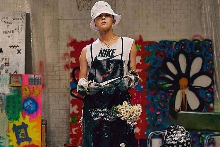 G-Dragon berkolaborasi dengan Nike meluncurkan sepatu Air Force 1 Para-Noise.