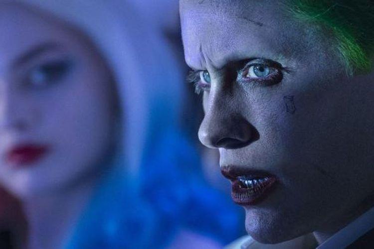 Jared Leto dan Margot Robbie beraksi dalam Suicide Squad (2016)