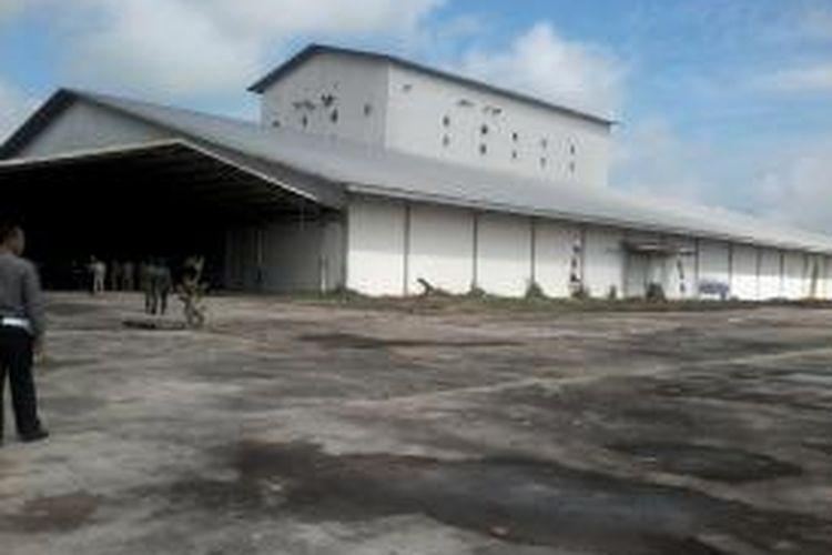 Ini adalah salah satu aset di areal Petambakan Bumi Dipasena berupa pabrik pakan.Pabrik ini dahulu mampu memproduksi 60 ton per jam untuk memenuhi kebutuhan tiga anak perusahaan PT CPP.