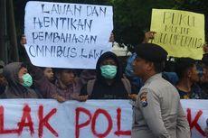 Mahasiswa di Malang Demo Tolak Omnibus Law Cipta Kerja