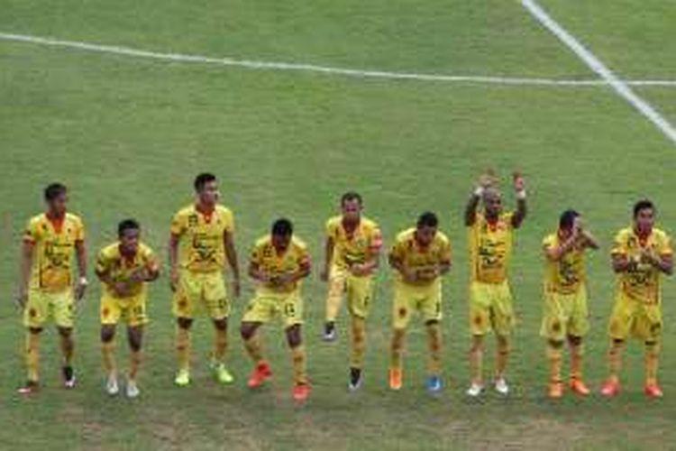 Sriwijaya FC masih kokoh di puncak klasemen Grup A Piala Bhayangkara 2016 setelah menang atas Mitra Kukar di Stadion Si Jalak Harupat, Kabupaten Bandung, Selasa (22/3/2016).