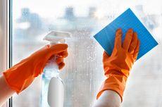 Cara Efektif Membersihkan Kaca Jendela Keruh dan Buram
