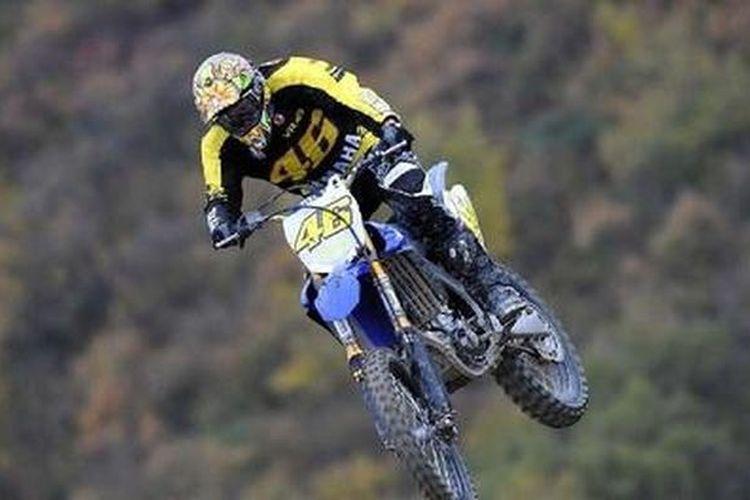 Meski berbahaya, pebalap MotoGP tetap latihan motocross