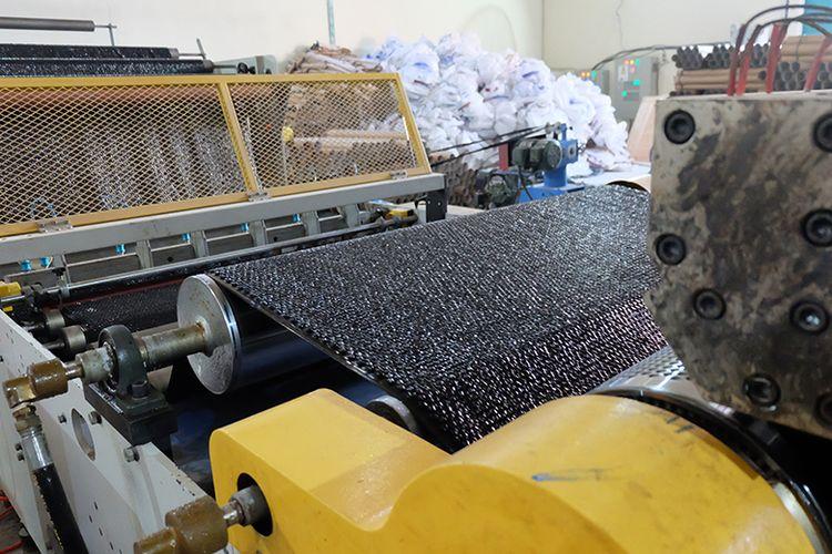 Bubble wrap berwarna hitam yang diproduksi oleh GMP telah memiliki hak paten dari Dirjen Kekayaan Intelektual Kemenkumham RI.
