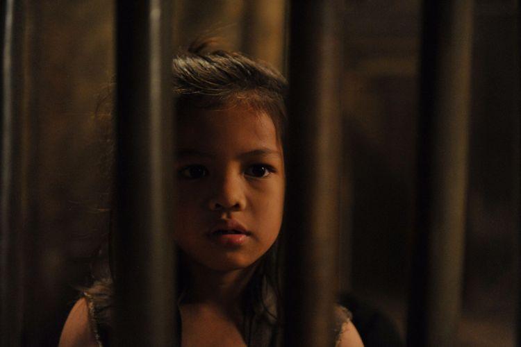 Abirama Putra Adresta beraksi sebagai Wiro Sableng kecil dalam film Wiro Sableng 2018.