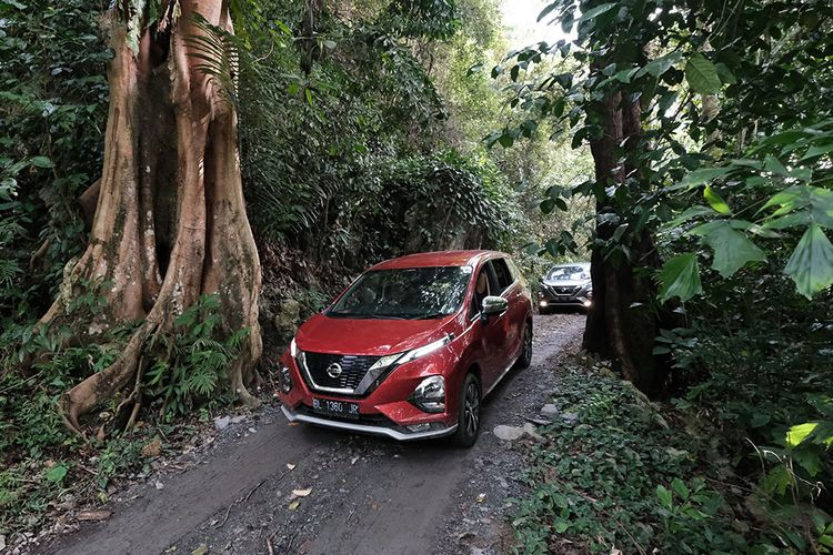 Tes perdana All new nissan Livina