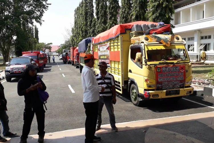Pemkab Luwu siapkan 4 truk logistik untuk pengungsi korban bencana alam asal Palu, Donggala dan Sigi Biromaru, Kamis (11/10/2018)