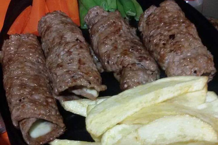 Double Mozarella Beef Roll.