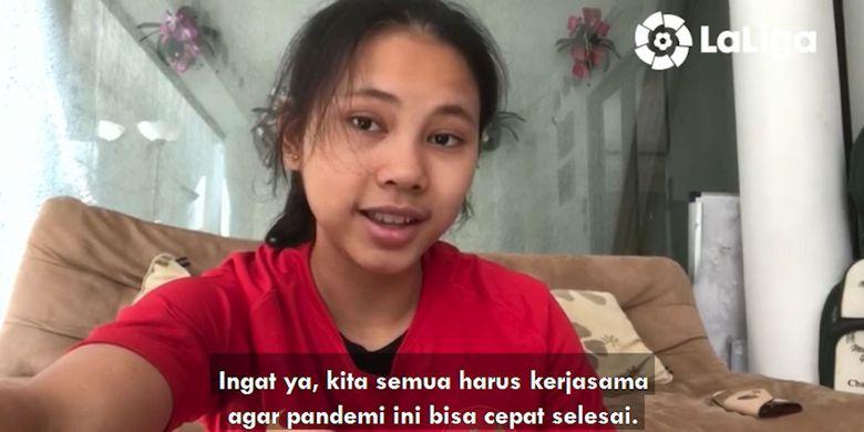 Pemain Timnas Wanita Indonesia, Shalika Aurelia Viandrisa, turut memberikan ucapan Hari Kartini dan memberikan dukungan di tengah pandemi virus corona pada video kolaborasi pesepak bola wanita Indonesia dan juga Spanyol.