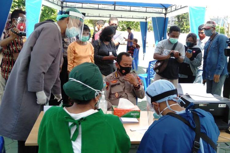 Suasana suntik vaksin Covid-19 di halaman Gedung Sasando, Kantor Gubernur NTT, Kamis (14/1/2021)