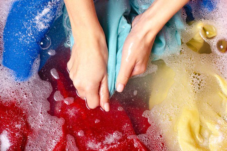 Ilustrasi mencuci pakaian.