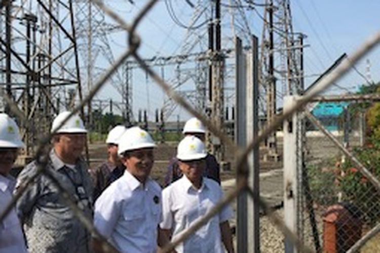 Wakil Menteri Energi dan Sumber Daya Mineral (ESDM) Arcandra Tahar mengunjungi Unit Induk Pusat Pengatur Beban (UIPZB) Gandul, Depok, Jawa Barat, Kamis (23/5/2019).