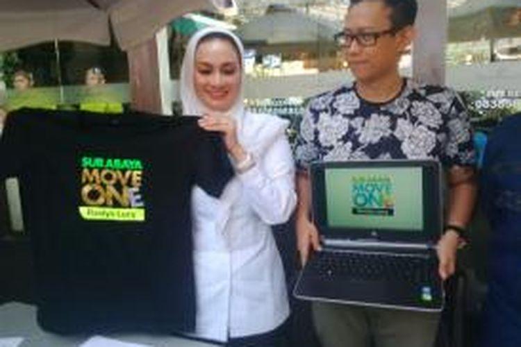 Calon wakil walikota Surabaya, Lucy Kurniasari, meluncurkan tagline