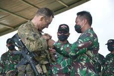 569 Penerjun dari TNI AD-US Army Mengudara di Baturaja
