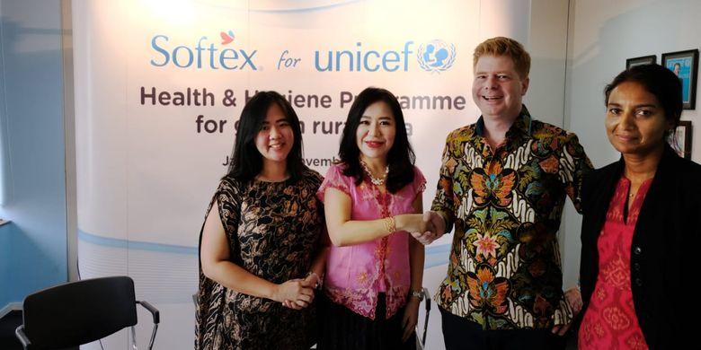 Peluncuran kerjasama Softex dan UNICEF untuk program edukasi manajemen kebersihan diri saat menstruasi untuk remaja.