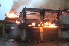 Kantor Disduknaker Batam Terbakar Diduga Akibat Petir