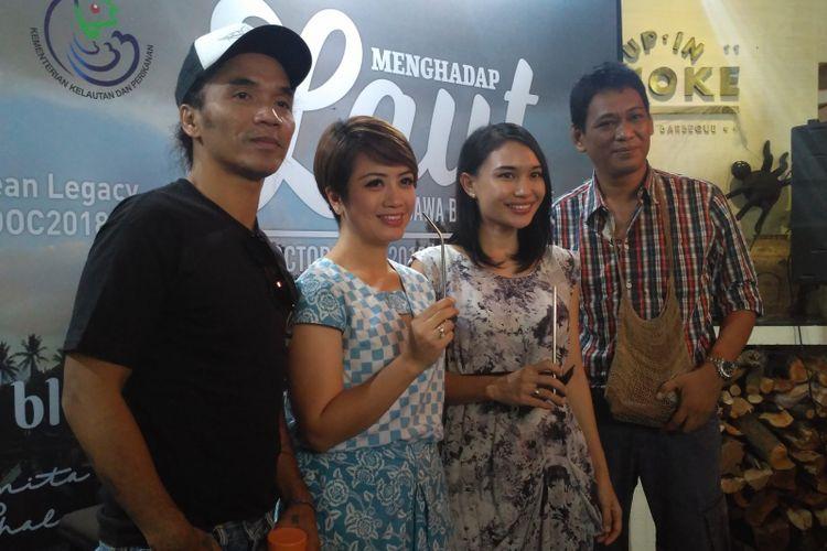 (dari kiri) Kaka Slank, Prita Laura, dan Tiza Mafira saat jumpa pers Our Ocean Conference 2018 di RDTX Tower, Kuningan, Jakarta Selatan, Kamis (25/10/2018).