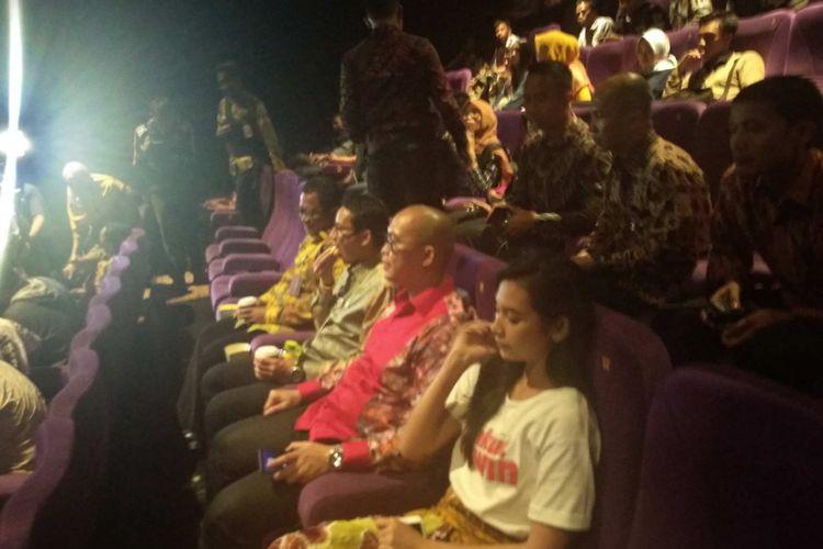 Wakil Gubernur DKI Jakarta menonton film Takut Kawin di Djakarta Theatre, Kamis (15/3/2018).