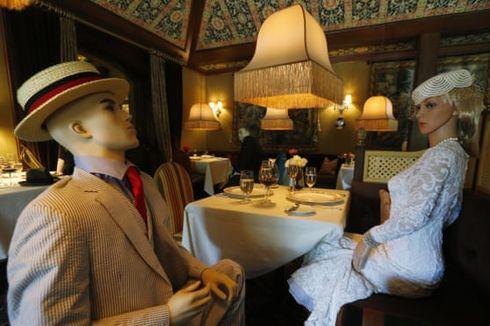 Unik, Restoran Ini Sediakan Manekin untuk Temani Tamu