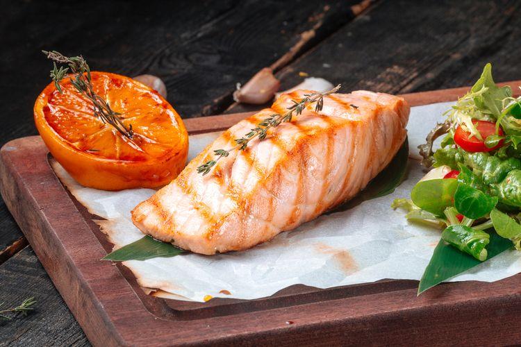 Ilustrasi ikan salmon yang menyehatkan jantung