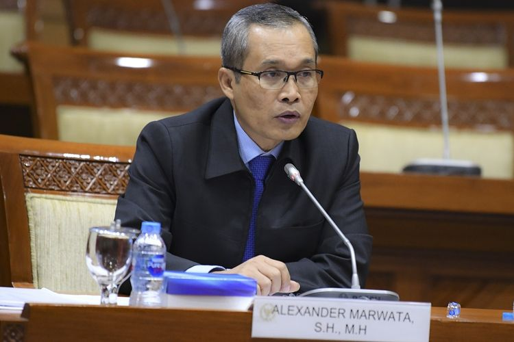 Calon pimpinan KPK Alexander Marwata menjalani uji kepatutan dan kelayakan di ruang rapat Komisi III DPR, Kompleks Parlemen, Senayan, Jakarta, Kamis (12/9/2019). ANTARA FOTO/Nova Wahyudi/wsj.