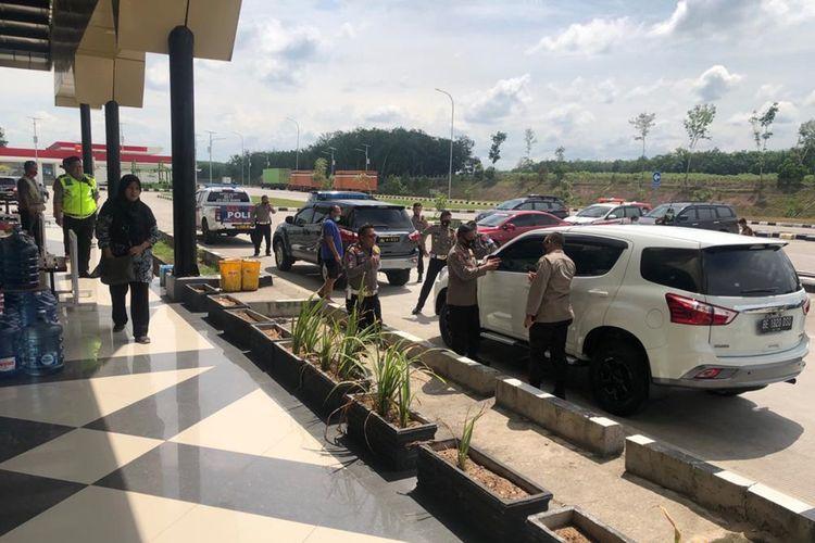 Ditlantas Polda Lampung memeriksa kesiapan pos pengamanan di Pelabuhan Bakauheni menjelang libur panjang, 28 - 31 Oktober 2020. (FOTO: Dok. Ditlantas Polda Lampung)
