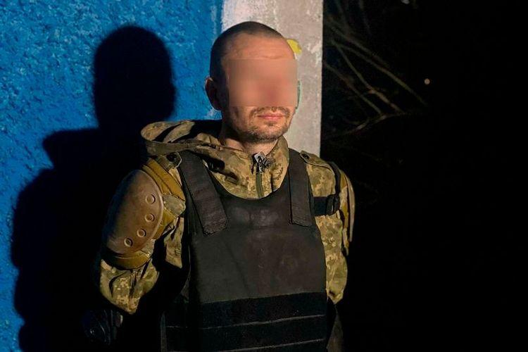 Seorang pria di Ukraina mengebiri ayahnya dan melukai tiga petugas kepolisian.