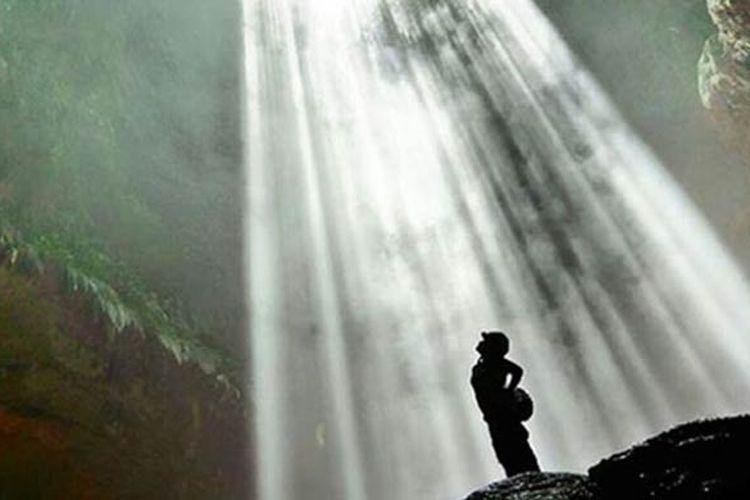 Goa Jomblang di Kabupaten Gunungkidul, DIY.(BARRY KUSUMA)