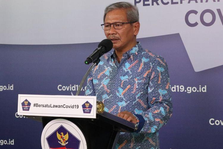 Juru Bicara Pemerintah untuk Penanganan Covid-19 Achmad Yurianto saat memberikan keterangan di Graha BNPB, Jakarta, Sabtu (6/6/2020).