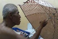 Kisah Kong Muin, Menjemput Rezeki Menjadi Tukang Servis Payung Keliling...