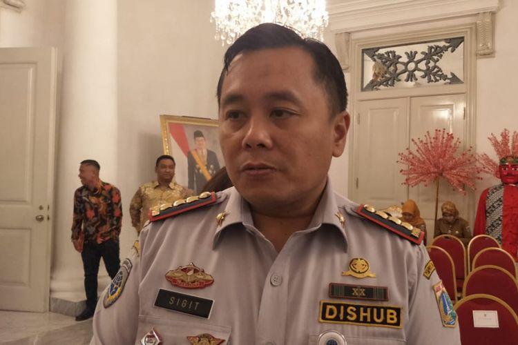 Pelaksana Tugas Kepala Dinas Perhubungan DKI Jakarta Sigit Wijatmoko di Balai Kota DKI Jakarta, Jakarta Pusat, Selasa (19/2/2019).