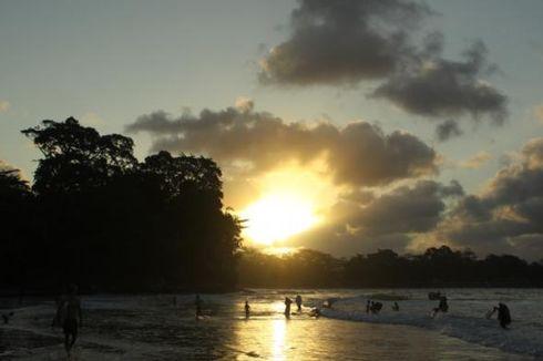 Libur Lebaran, Seluruh Kamar Hotel di Pantai Batu Karas Ludes
