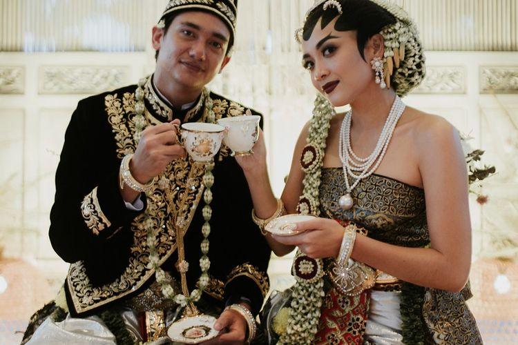 Suasana pernikahan Adipati Dolken dan Canti Tachril yang digelar secara tertutup di Bangka Belitung pada 18 Desember 2020.