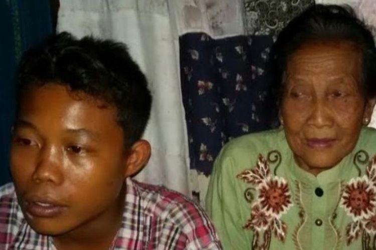Seorang remaja berusia 16 tahun, Selamat Riyadi, menikahi nenek Rohaya binti Kiagus Muhammad Jakfar yang telah menginjak usia 71 tahun.