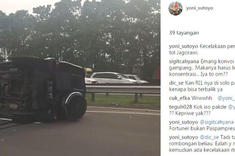 Mobil iring-iringan Presiden RI yang terguling di tol Jagorawi.