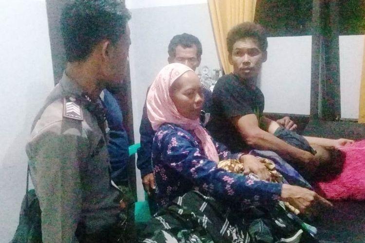 Tiga orang warga di Kabupaten Cianjur, Jawa Barat tersambar petir. Satu diantaranya meninggal dunia dan dua korban selamat mengalami luka bakar di sebagian badan