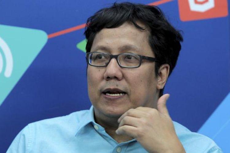 Pemain musik, pencipta lagu, dan produser musik kenamaan Indonesia, Erwin Gutawa, diwawancara di kantor Redaksi Kompas.com, Jakarta, Kamis (1/10/2015).