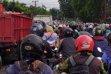 Kemacetan di Depan Stasiun Poris Kota Tangerang Bikin Pengendara Emosi