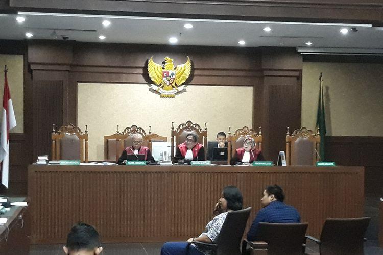 Perawat Rumah Sakit Medika Pernata Hijau bersaksi di Pengadilan Tipikor Jakarta, Senin (26/3/2018).