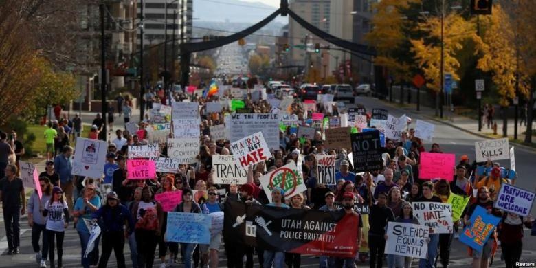 Demonstrasi menentang terpilihnya Donald Trump sebagai Presiden AS di Salt Lake City, Utah, Sabtu (12/11/2016).