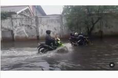 Video Viral Motor Bebek Menerjang Banjir dengan Santai