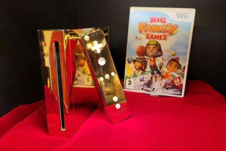 Konsol game Nintendo Wii emas ini pada awalnya dibuat untuk dikirimkan ke Ratu Elizabeth II.