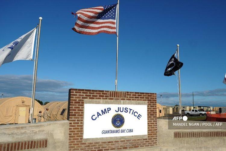 Vaksin Covid-19 akan ditawarkan kepada tahanan Teluk Guantanamo paling cepat Senin (1/2/2021)