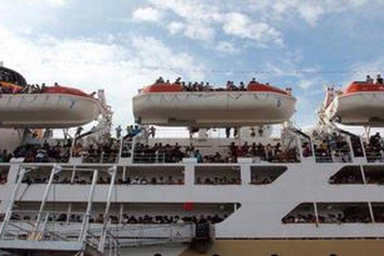 Ilustrasi: Kapal PT Pelni, KM Lambelu, saat hendak sandar di Pelabuhan Yos Sudarso, Ambon, Maluku, beberapa waktu lalu