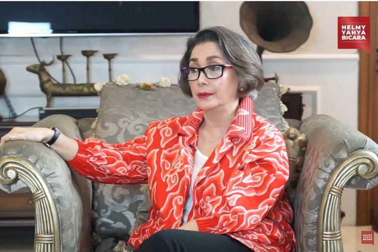 Aktris Widyawati menjadi tamu kanal YouTube Helmy Yahya Bicara.