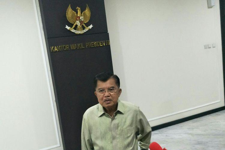Wapres Jusuf Kalla di Kantor Wakil Presiden, Jakarta